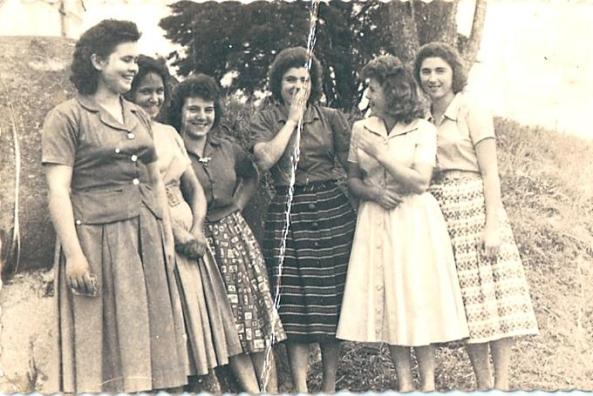 Luiza Tomazoni, Lourdes Darós, Aparecida Smaniotto (Cida), Marta Darós, Edite Marchiori, Neide Dalsenter – Morro da Cruz - 1960
