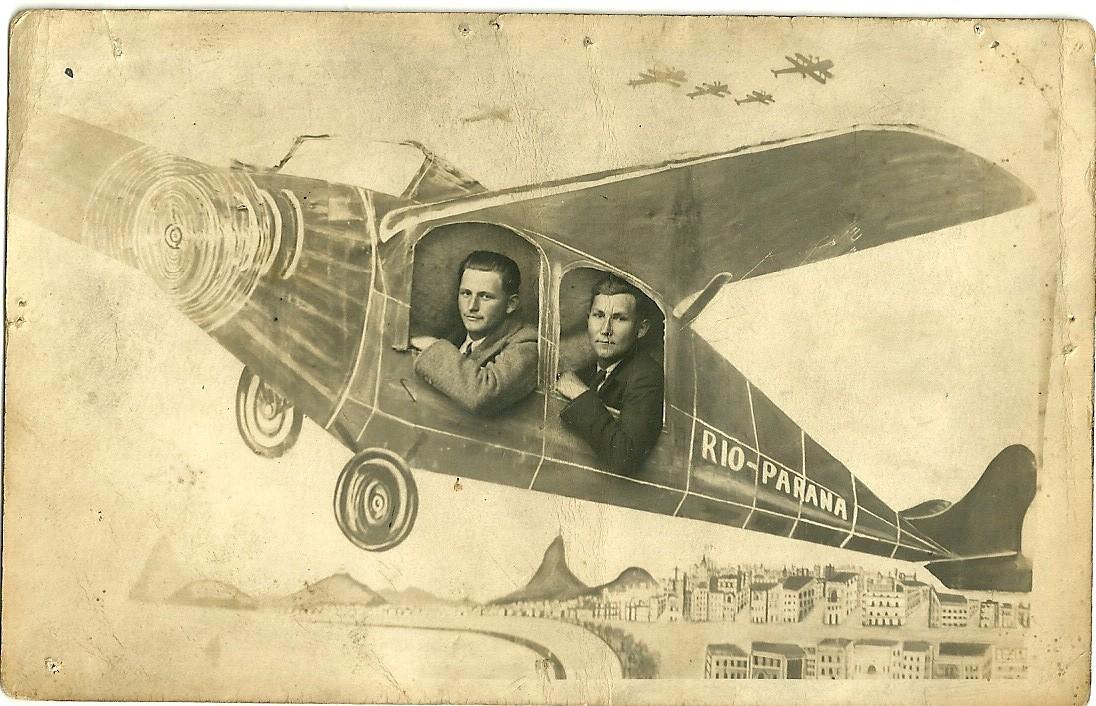 SR. Angelo Bonecher e João Ápile em 1935 , curtiba - Batalhão da Cavalaria