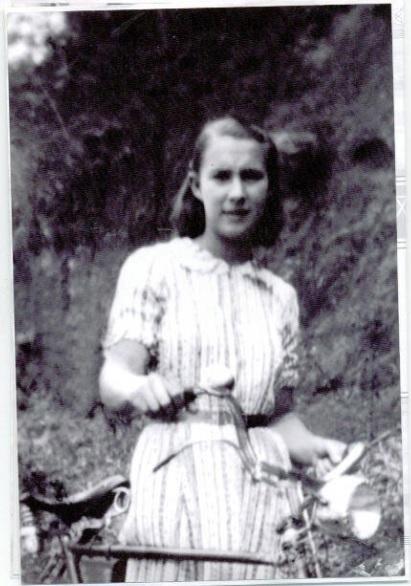 Josefina Tolomeoti Tridapalli - conhecida como Dona Pina