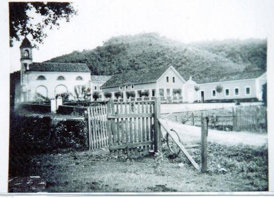Vígolo década de 1940 - Aofundo Igreja Nossa Senhora de Lourdes